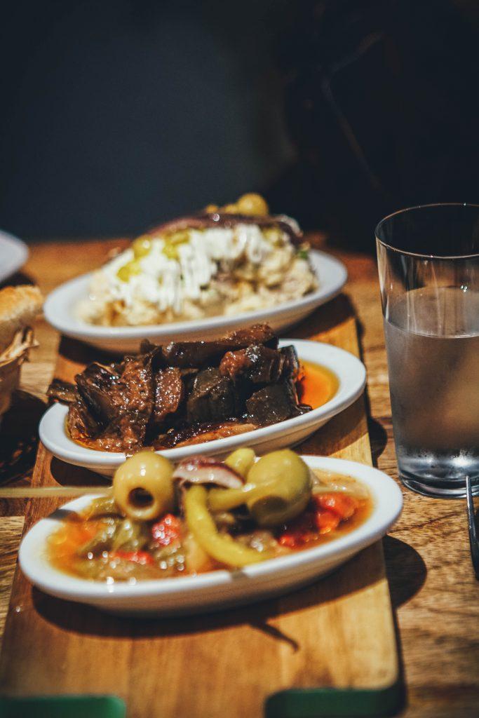 comida vasca en restaurante en san sebastian